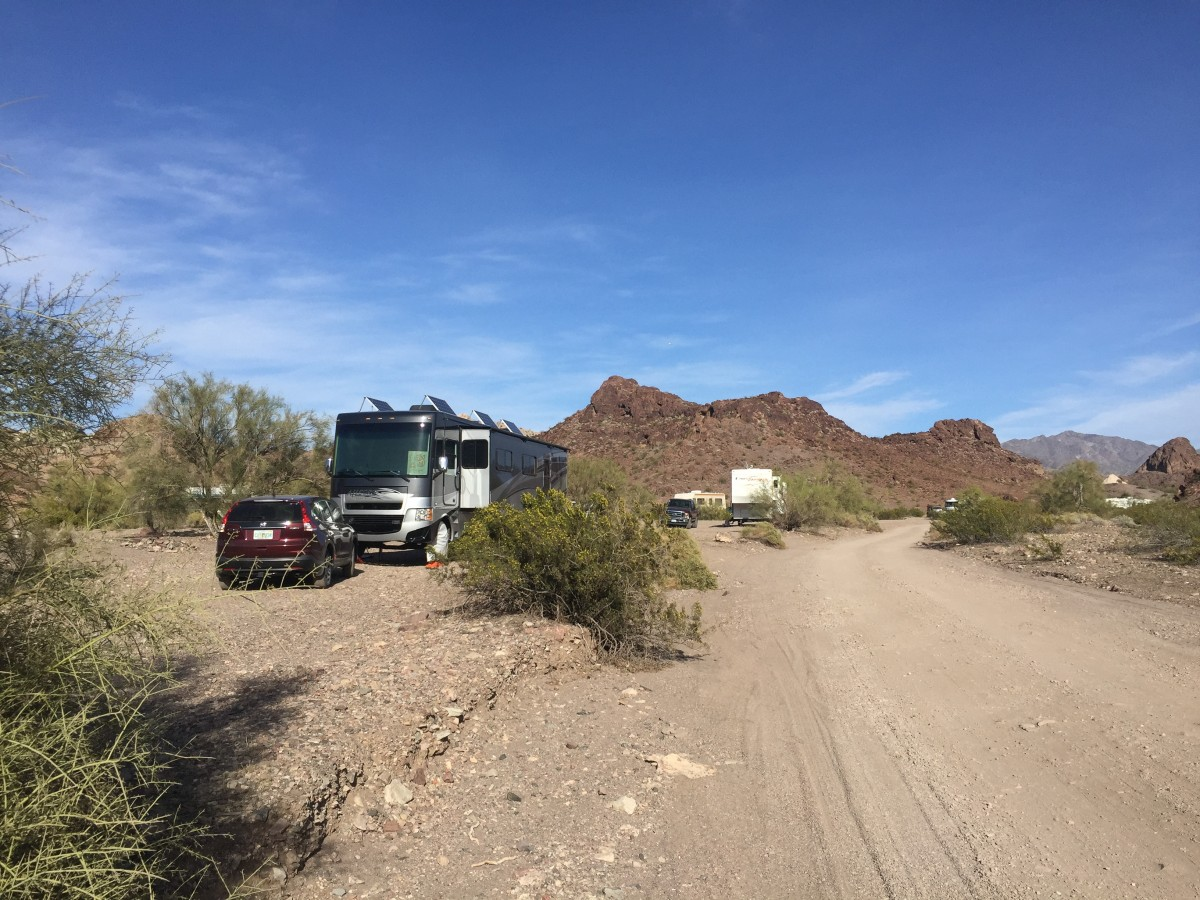 Boondocking at Craggy Wash BLM